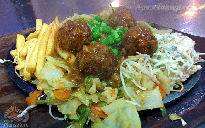 Manchurian Vegetable - Sizzler - Chefs Xinlai Restaurant