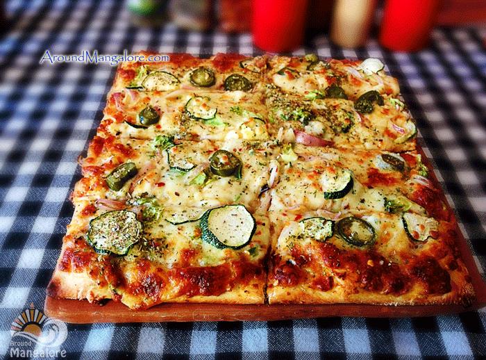 Cheese & Onion (Veg), Smoke N Oven, Mangalore