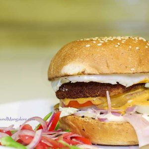 Smoked Chicken Burger - Icy Creamz - Hangyo, Mangalore