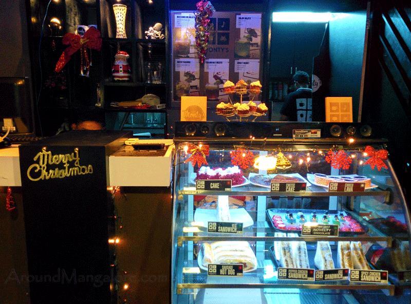 Montys Cafe, Mangalore