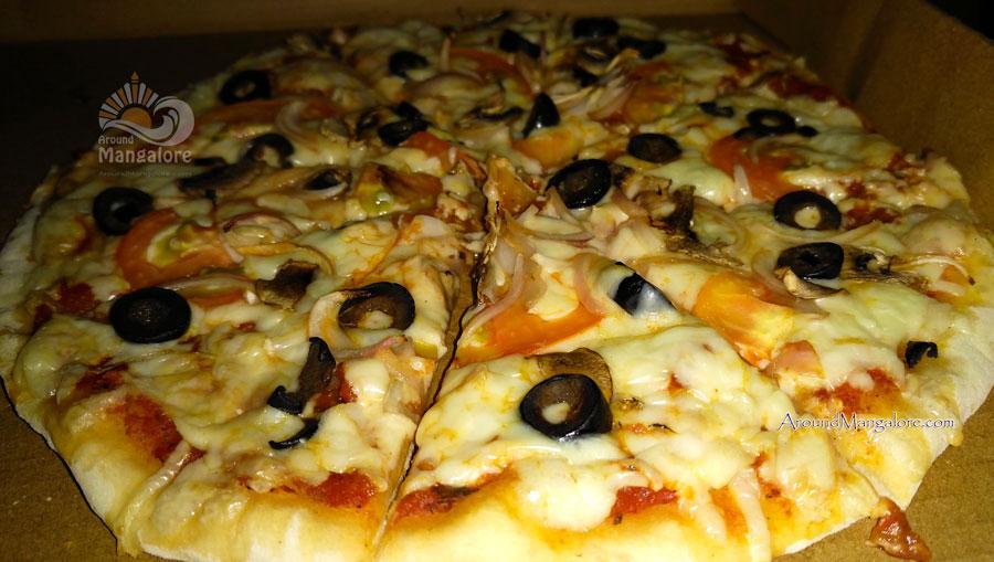 Francesco - Pizzerian - Knock Knock, Mangalore