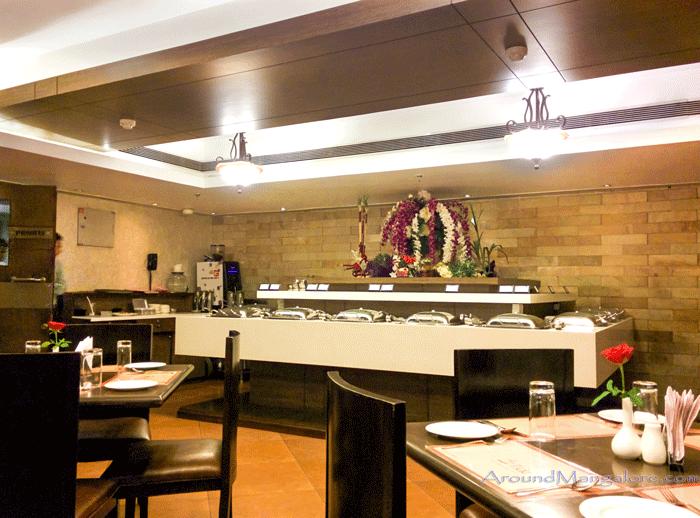 Tide - Coffee Shop, Ocean Pearl, Mangalore