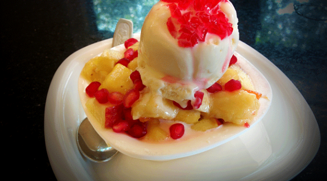 Fruit salad with ice cream – Ideals / Pabbas