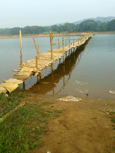 Wooden Bridge in Summer at Pavoor Uliya Island :: AroundMangalore.com