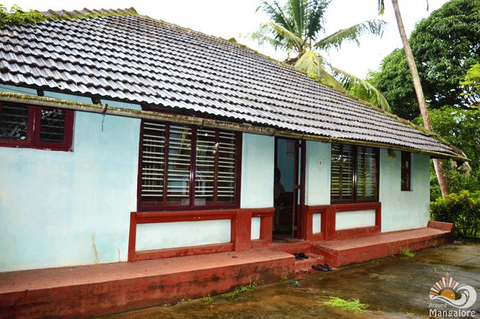 An House inside Pavoor Uliya Island :: AroundMangalore.com