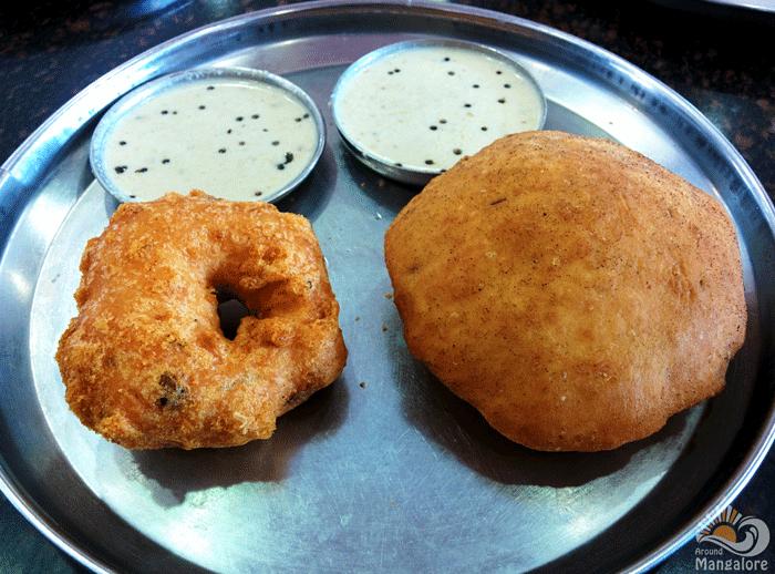 Buns & wada - New Taj Mahal Cafe, Kodailbail, Mangalore