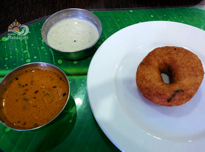 Vada - Shree Rathnam Restaurant, Mangalore