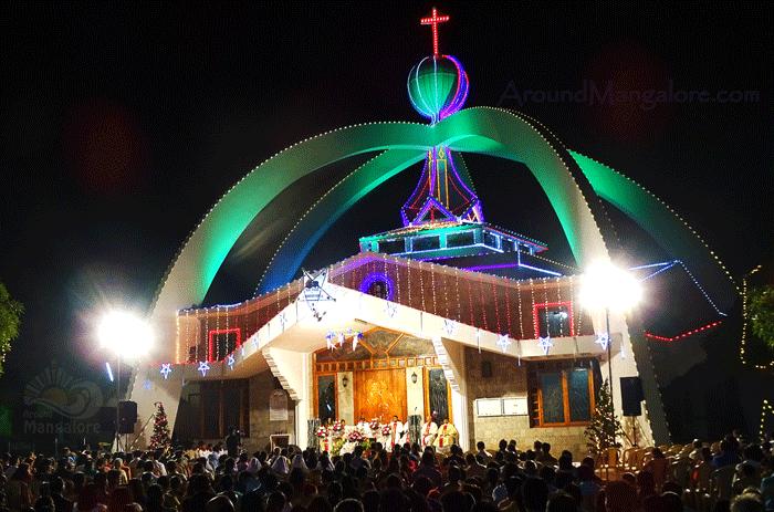 Christmas Mass Celebration - Infant Jesus Shrine - Christmas 2015