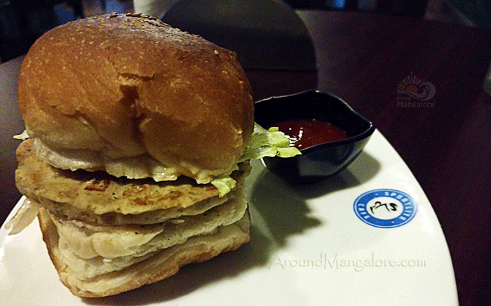 Chicken Burger - Sportlite Cafe, Mangalore
