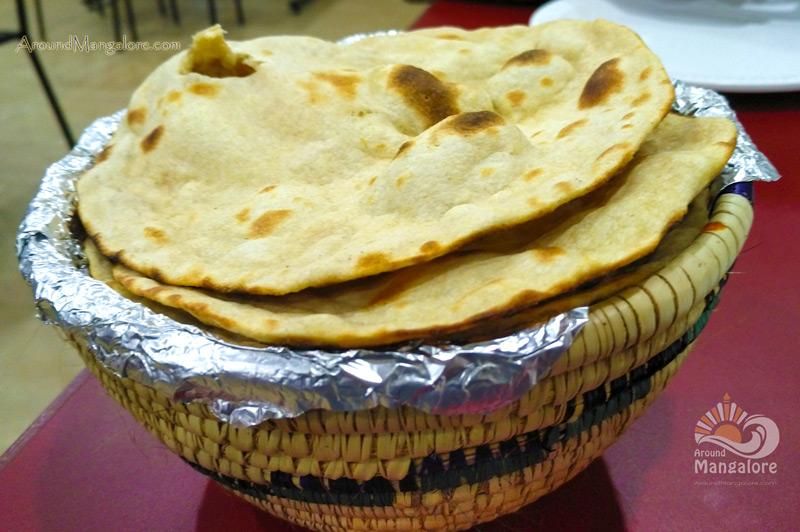Roti - Tripthi Veg Refreshments - Restaurant - Chilimbi, Mangalore