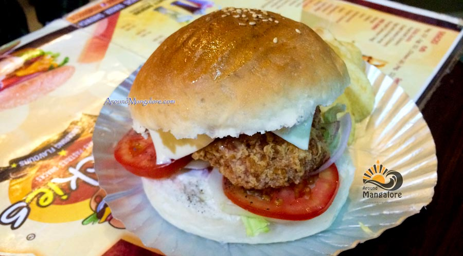 Mini Buldozer Burger - Snackies - Falnir, Mangalore