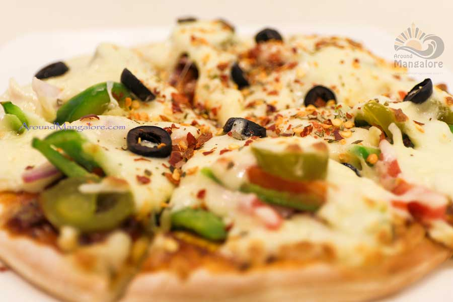 Veg Supreme - Pizza - The Chocolate Room, Mangalore