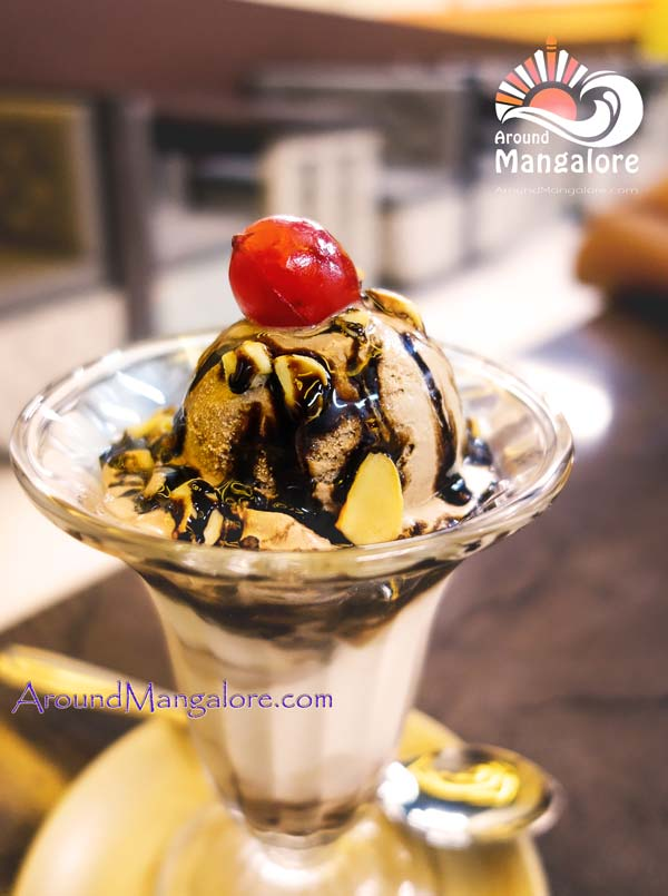 Chocolate Crunch - - Desert Cream Parlour - Kodialbail, Mangalore