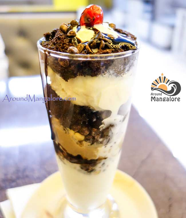 Chocolate Delight - Desert Cream Parlour - Kodialbail, Mangalore