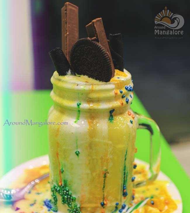 Mad Over Mango - Cafe Lassi - City Centre, Mangalore