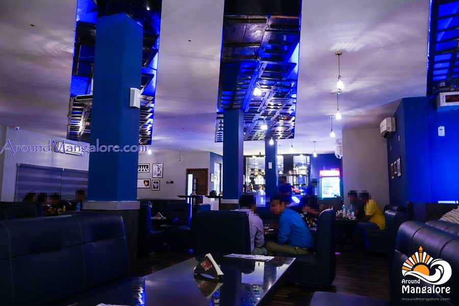 Retro Lounge Bar - Valencia Jeppu, Mangalore