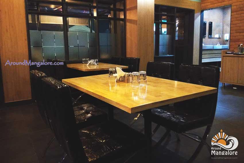 Golden Gate - Bar & The Family Restaurant - Saibeen Complex, Mangalore