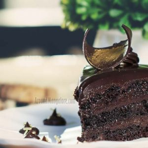 Molten Chocolate Cake - The Cake Club - Bejai Kapikad Road, Mangalore