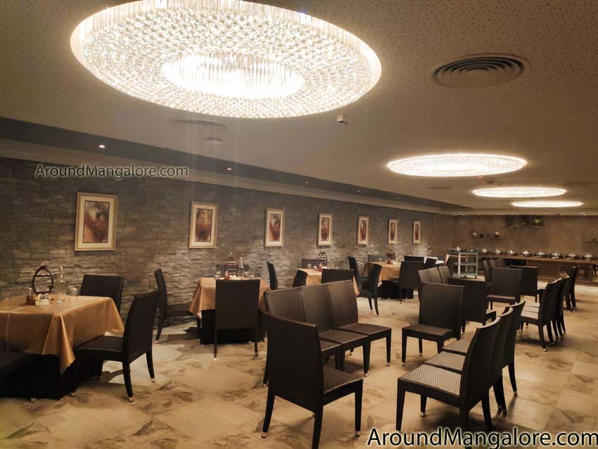 Hotel Sai Palace - Navaratna - UDIPI Cafe - Hampankatta, Mangalore