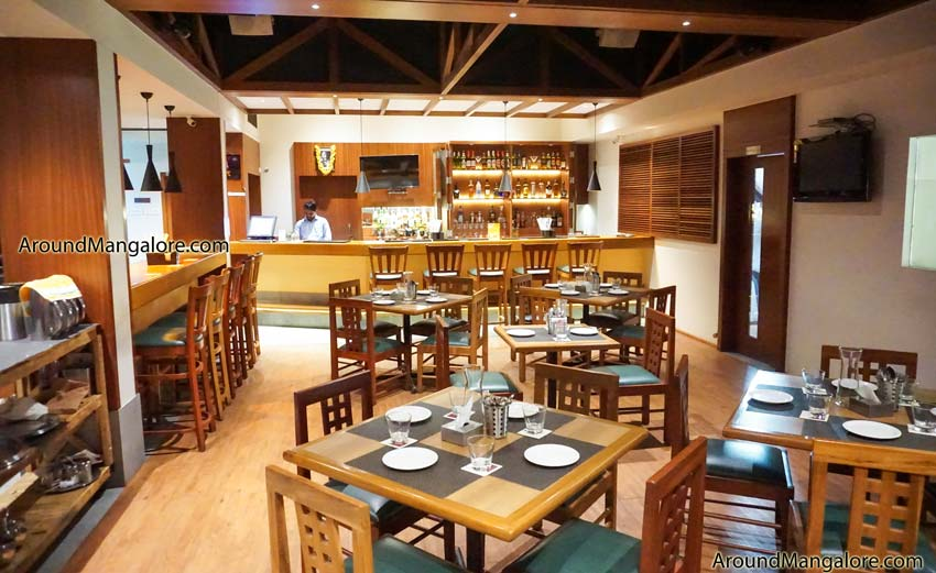 Upparige - The Lounge - Hotel Sadanand, Surathkal, Mangalore