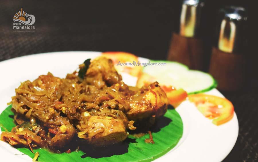 Kuttanadu Kozhi Chicken Pepper Roast Simbly South Hotel Prestige Mangalore - Simbly South