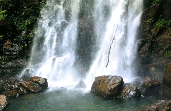 Hanumana Gundi Waterfalls