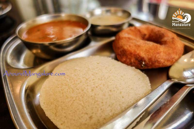 Idli Vada Sarvam Cafe Ballalbagh Mangalore - Sarvam Cafe - Ballalbagh
