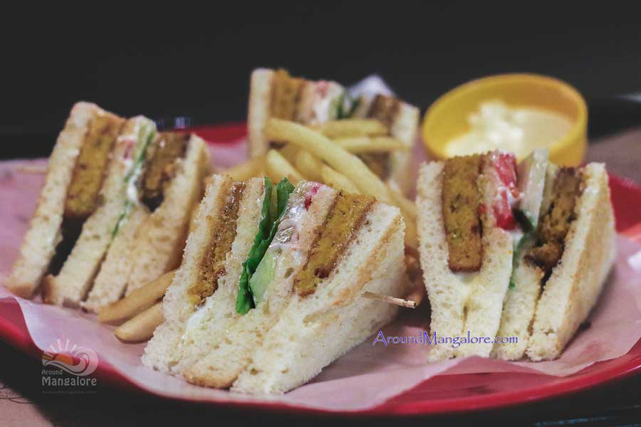Veg Club Burger Lounge Mangalore - Burger Lounge - Kodialbail