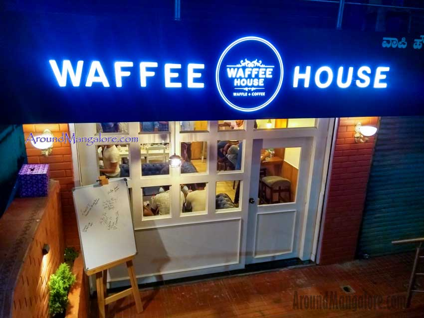 Waffee House – Cafe -Bendoorwell